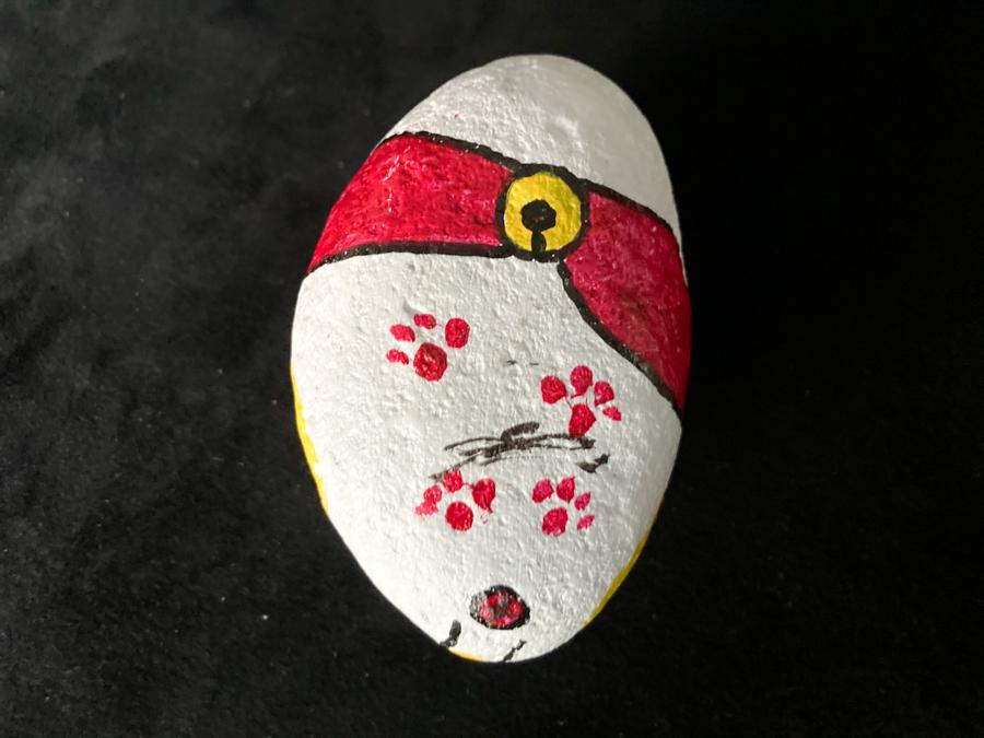 赤い帯の福石猫(シュッとしてる)