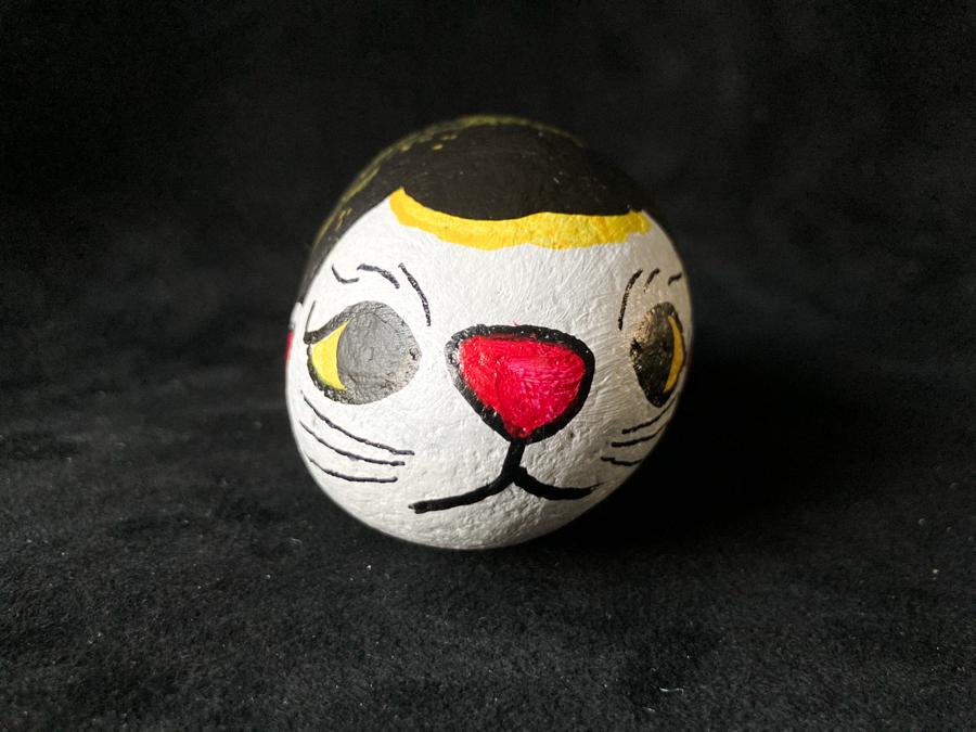 金の龍を背負った福石猫(スリム)